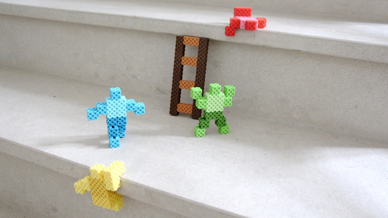 Lini_cube_men_on_stairway_2-compressed