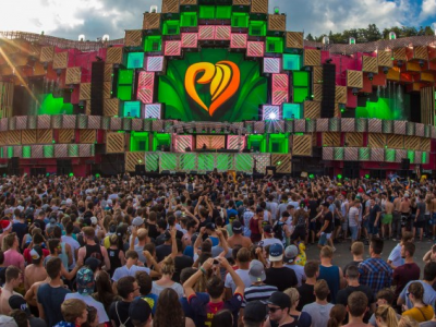 How three of the world´s largest music festivals use contactless technology